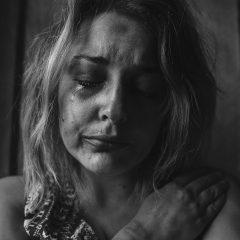 להתחבר אל הרגשות ולהרפא-כוח ריפוי